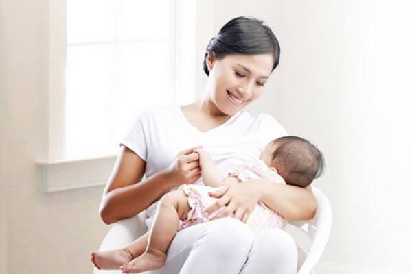 làm sao để bé bú mẹ tăng cân nhanh, sữa tăng cân cho bé, sữa nào giúp bé tăng cân nhanh nhất, sua tang can cho tre, mẹ ăn gì để con bú tăng cân, sữa giúp bé tăng cân tốt