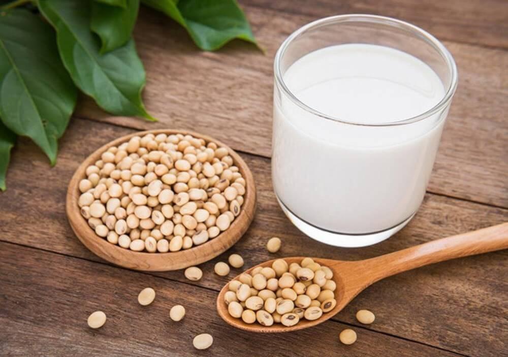 uống sữa đậu nành tốt cho tim mạch